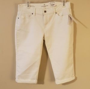 White Liz Claiborne Capri City Fit Skinny Boyfrien